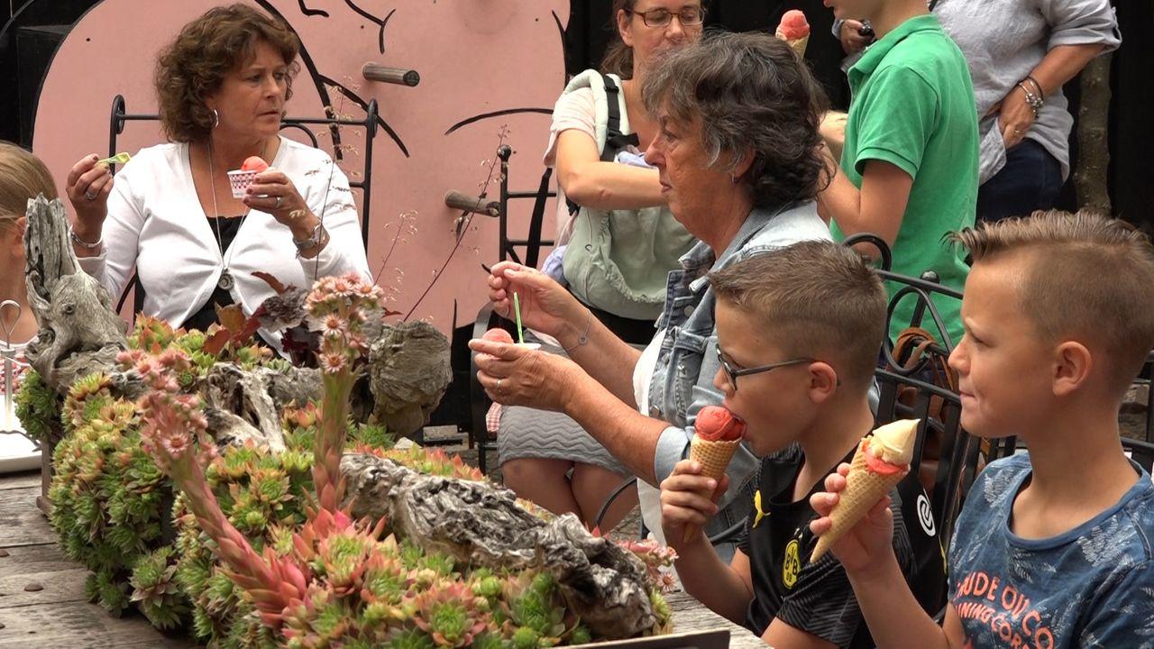 #zodoenwedatinVinkel bedankt jeugdige bezorgers met ijs