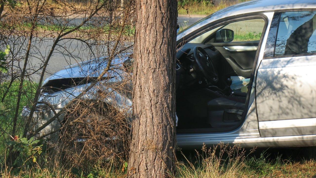 Bestelbus en auto tegen elkaar aangebotst in Oss