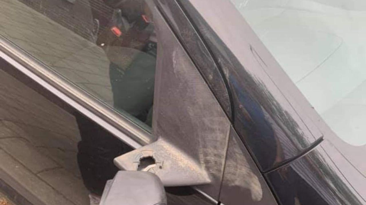 Overlast in Bitswijk Uden, zijspiegel auto vernield