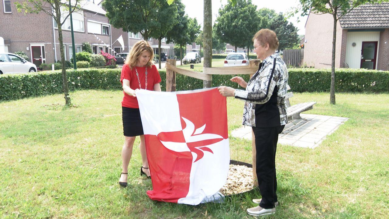 Laatste herdenkingsboom in Bernheze nu ook officieel onthuld