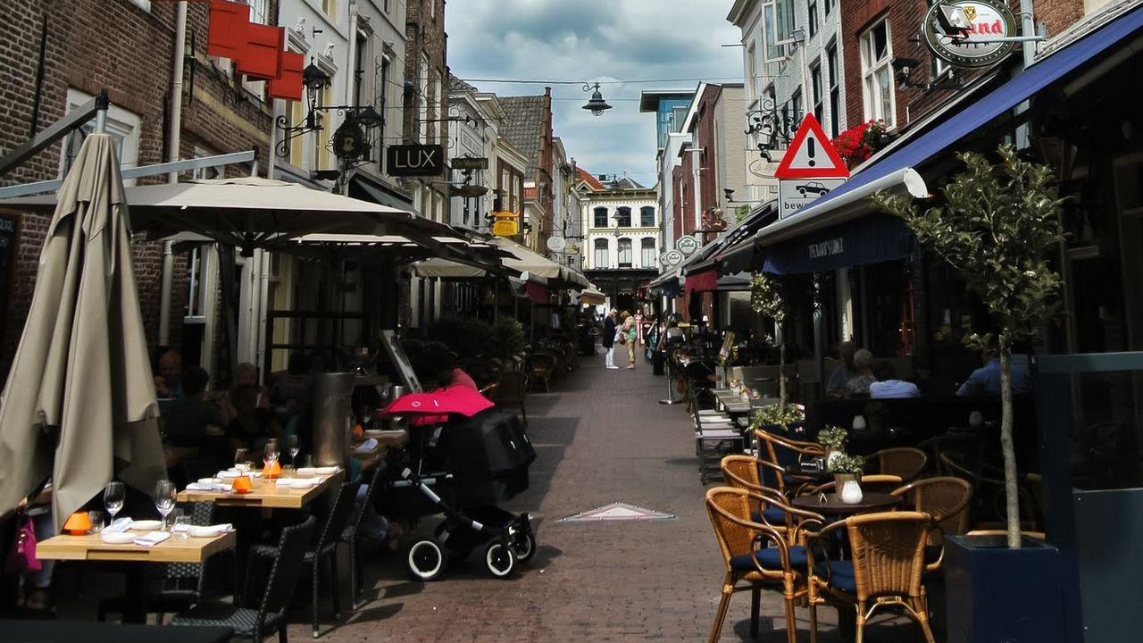 VVD en D66 willen bedelverbod in Bossche binnenstad