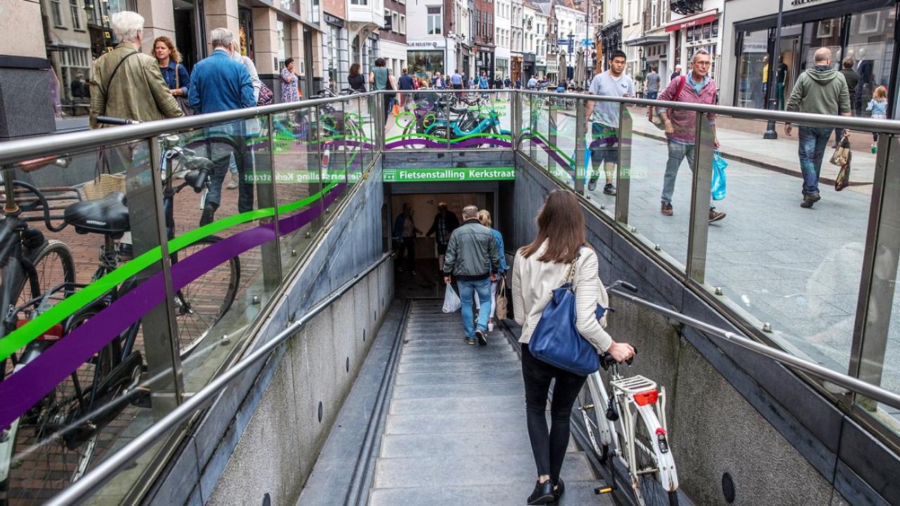 Alle fietsenstallingen in Bossche centrum weer open