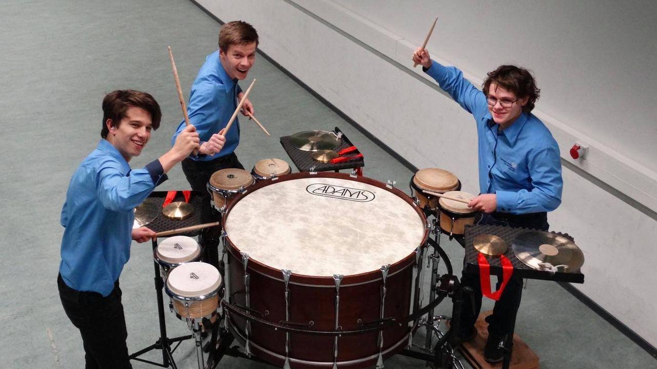 Drie leerlingen van de Koninklijke Fanfare Sint Willibrord doen examen in hoogste klasse