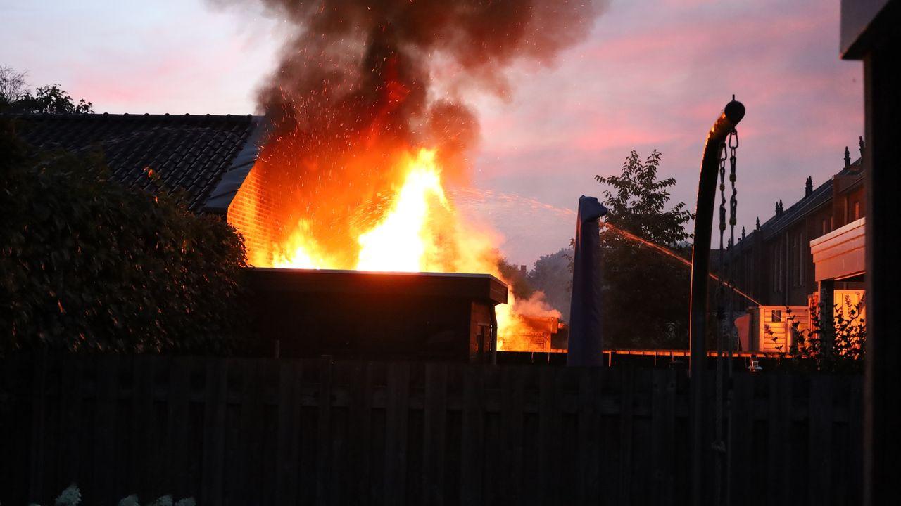 Tuinhuisjes in Odiliapeel volledig afgebrand