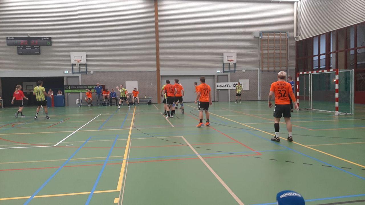 Dynamico speelt zich warm in gewonnen oefenduel tegen Volendam 2