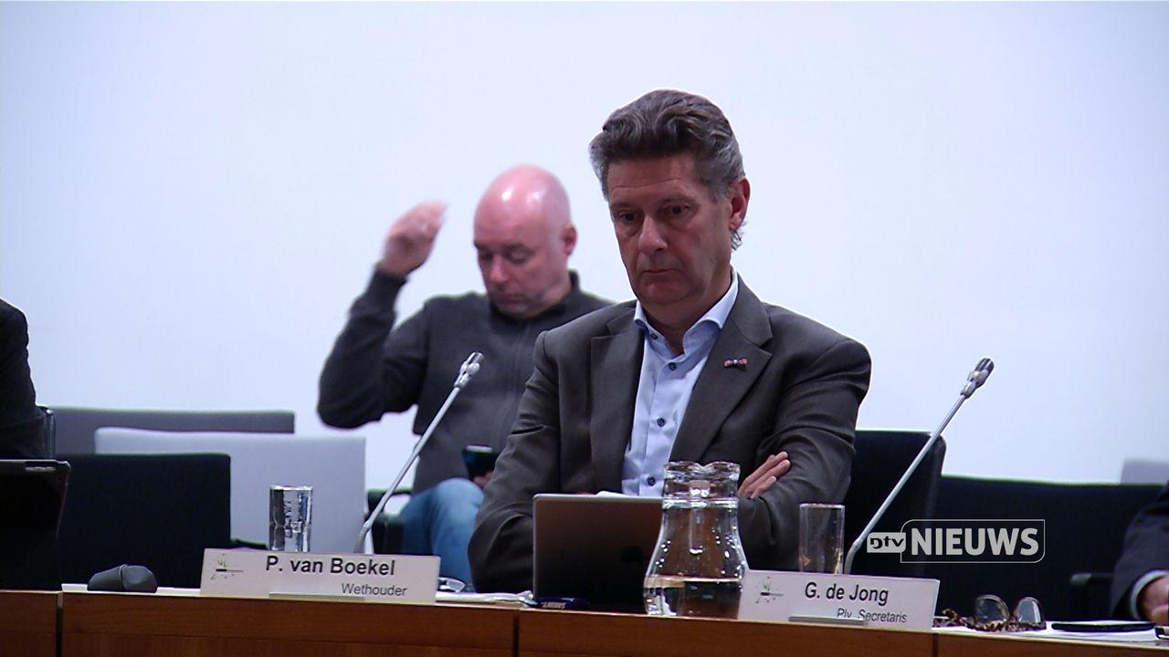 'Vertrek van Bernhezer wethouder Van Boekel vraagt om reflectie'