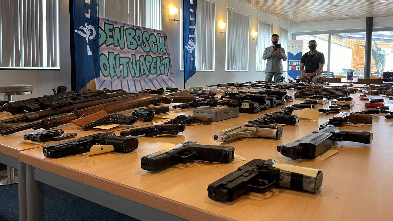 Politie Den Bosch krijgt in één week 120 wapens binnen: 'Nu zetten we door'