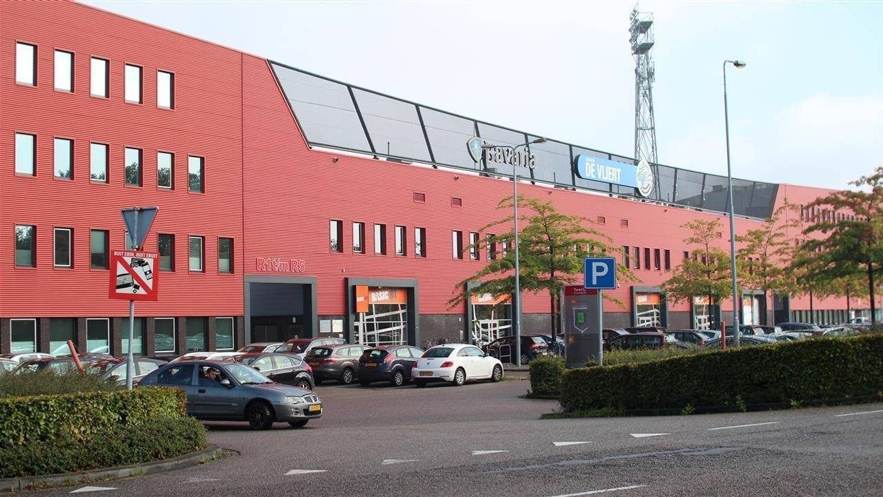 Supportersbus FC Den Bosch vernield