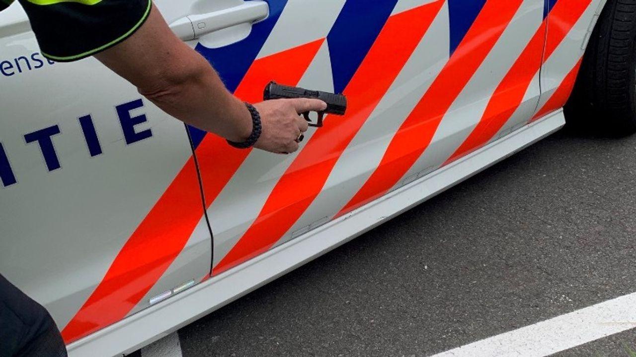 Ossenaar aangehouden in Oisterwijk, politie lost waarschuwingsschoten