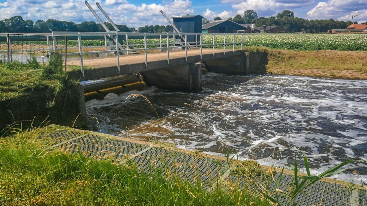 Langdurige droogtes en tropische temperaturen veroorzaken watertekort in Uden