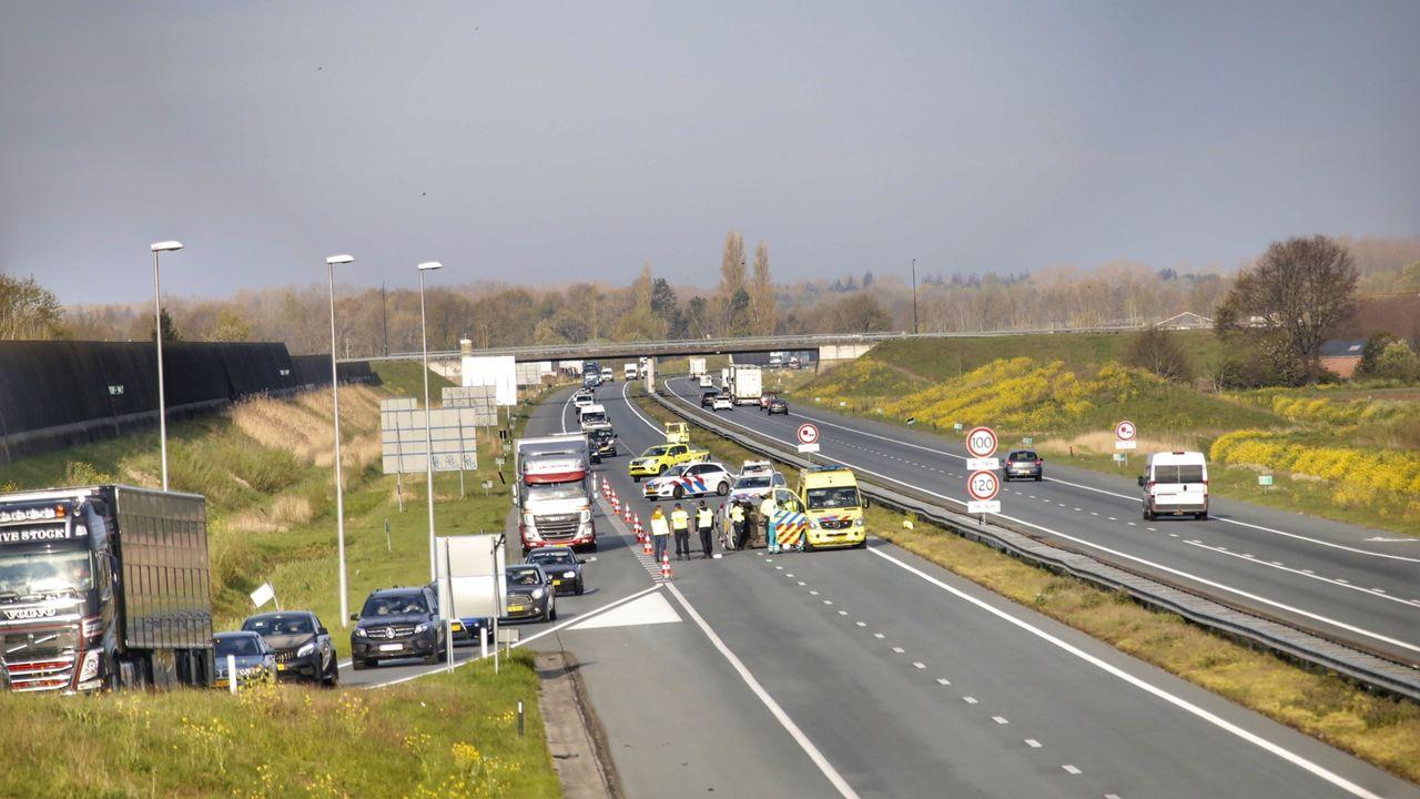 Inzittende komt met de schrik vrij bij ongeluk op A50