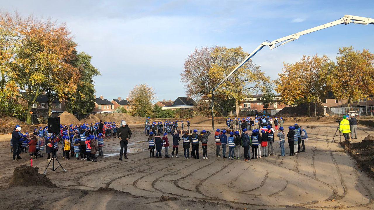 Leerlingen bouwen mee aan 't nieuwe Schrijverke in Herpen