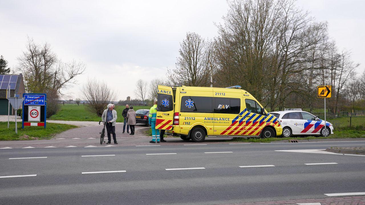 Fietser gewond na aanrijding met auto in Deursen-Dennenburg