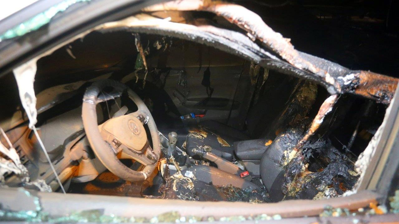 Examenauto in brand gestoken in Den Bosch