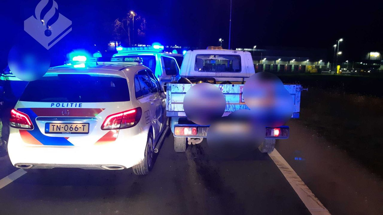 Politie Uden geramd bij een achtervolging in Veghel, agenten doen aangifte