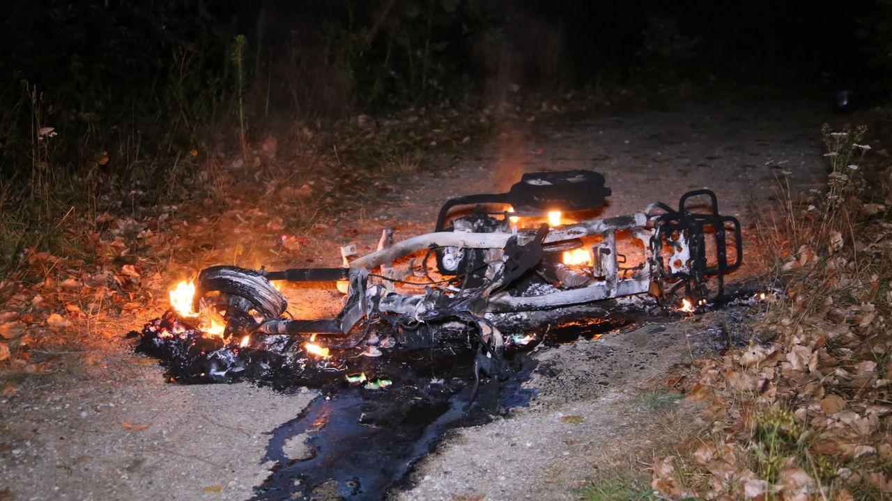 Scooter brandt volledig uit in Uden