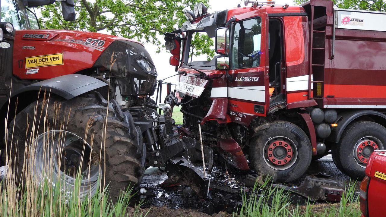 Geen gewonden na ongeval, N264 in beide richtingen afgesloten
