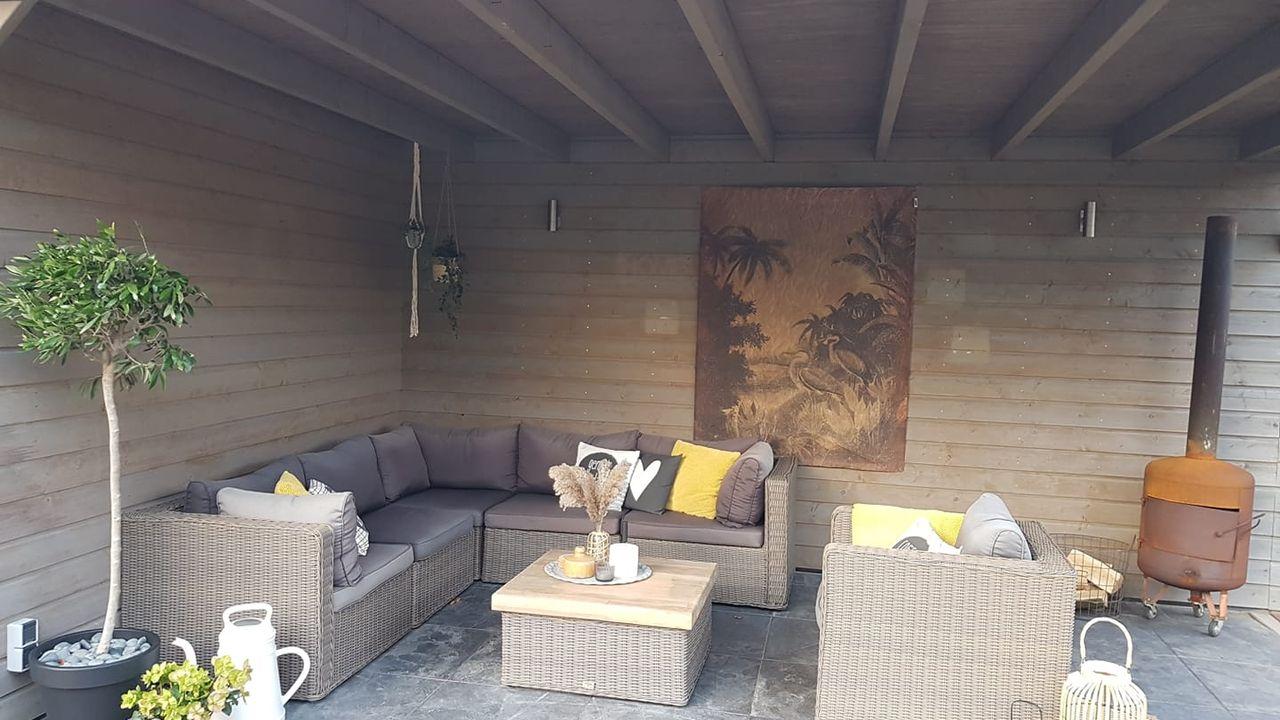 Complete loungeset inclusief hoekbank gestolen in Lith: 'Ik dacht eerst dat-ie was weggewaaid!'