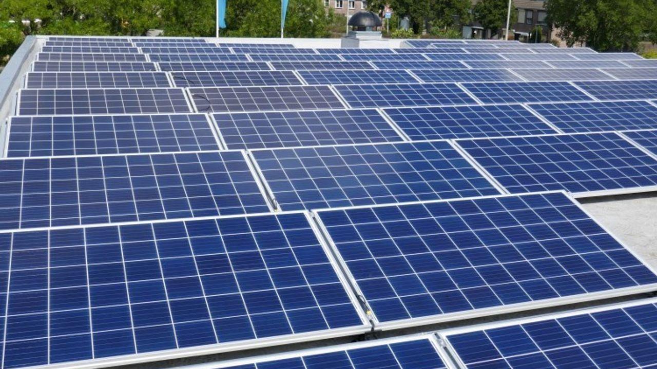 Elektriciteitsnet Bernheze slibt dicht: initiatieven zonneparken 'on hold'
