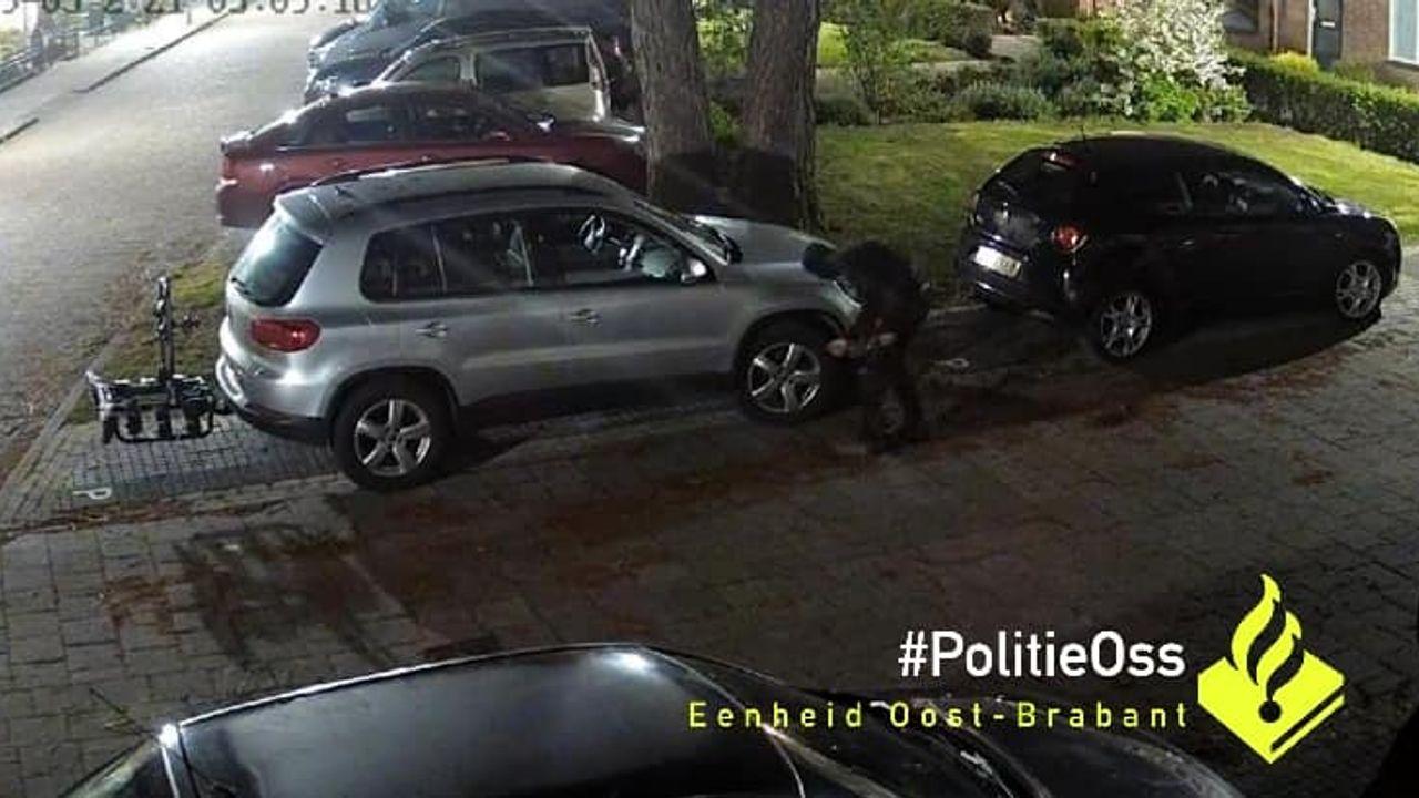 Vernieling personenauto in Ravenstein; politie zoekt getuigen