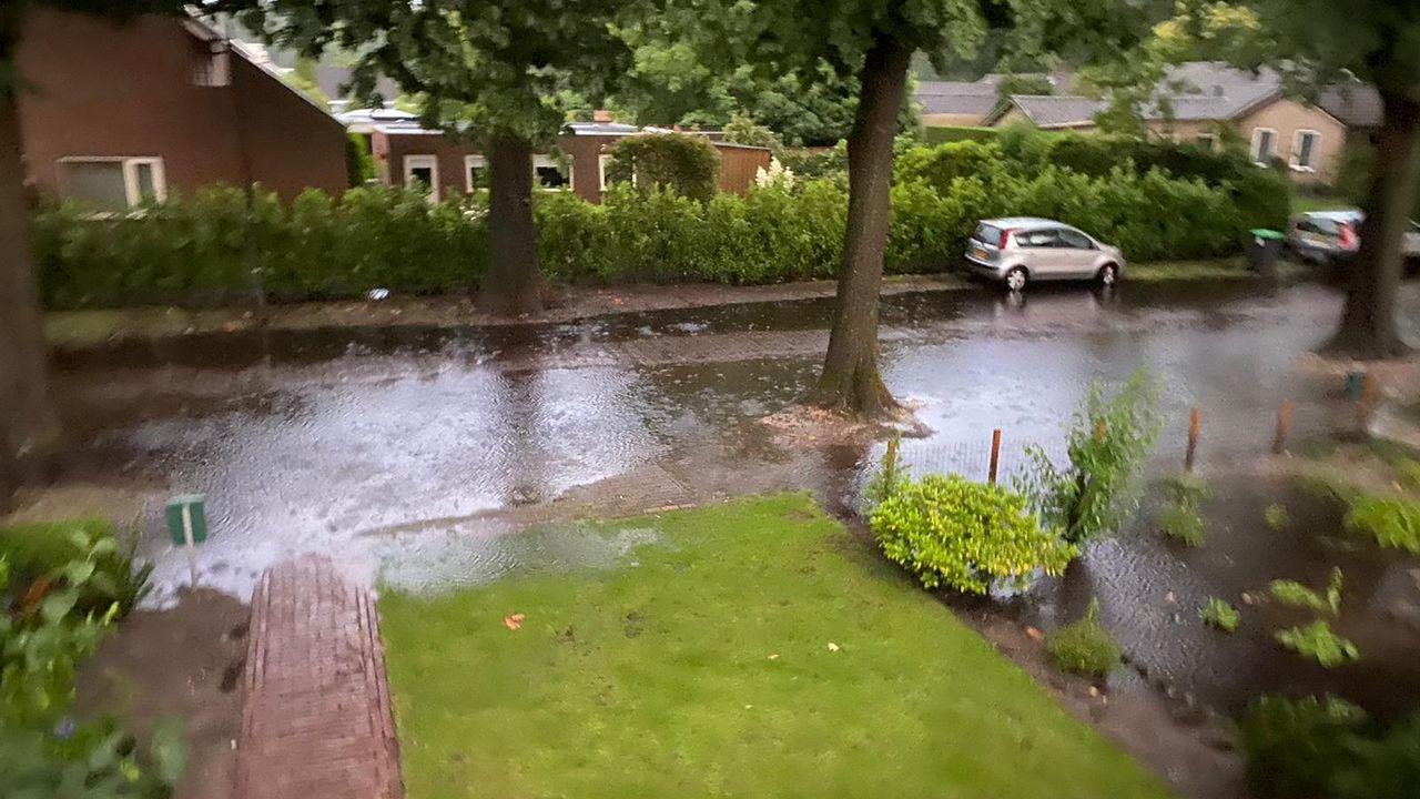 Noodweer trekt over regio, wateroverlast in Odiliapeel