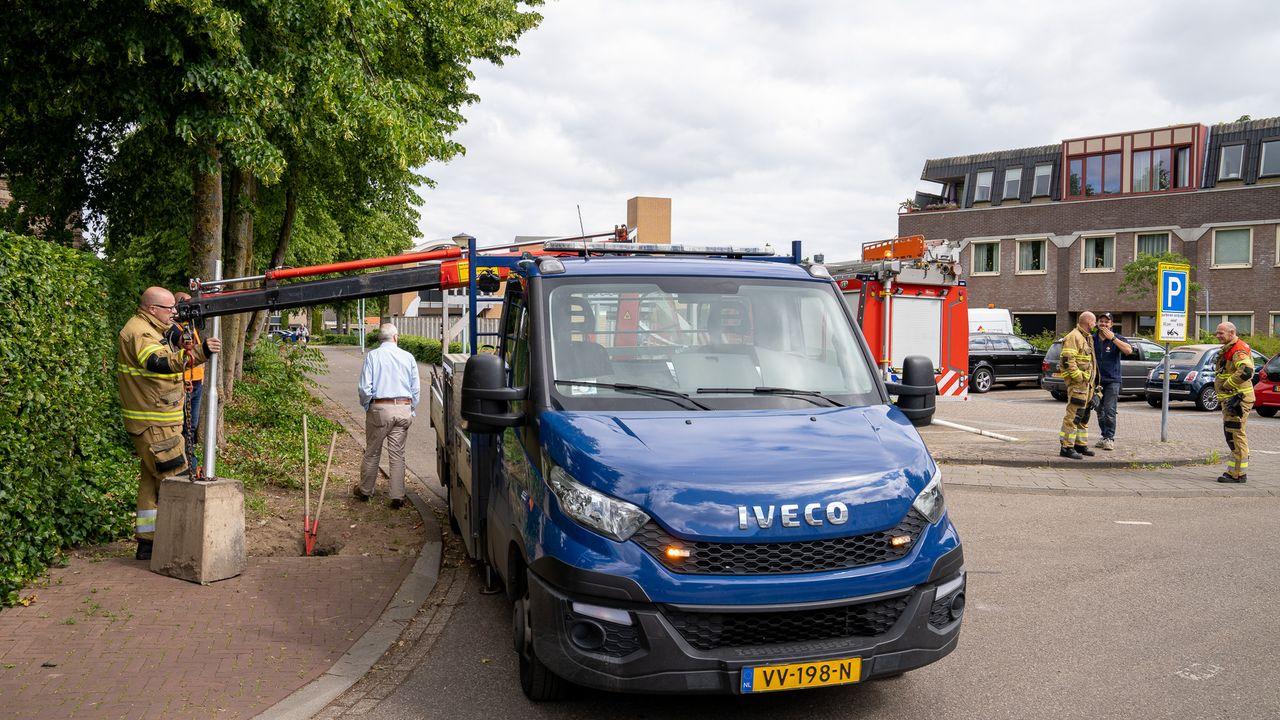 Plaatsen verkeersbord gaat mis, inwoners Rosmalen zonder stroom