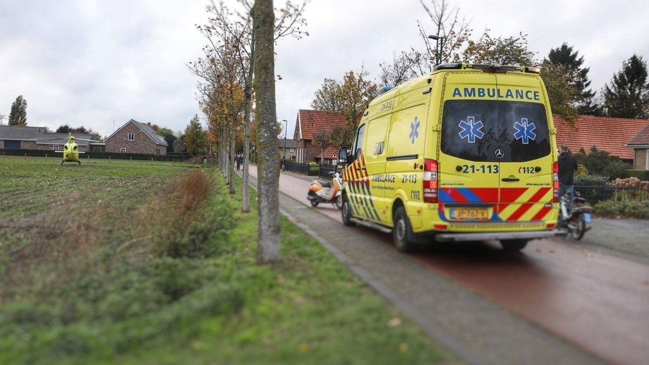 Ongeval tussen snorfietsers in Berghem: slachtoffer met spoed naar ziekenhuis