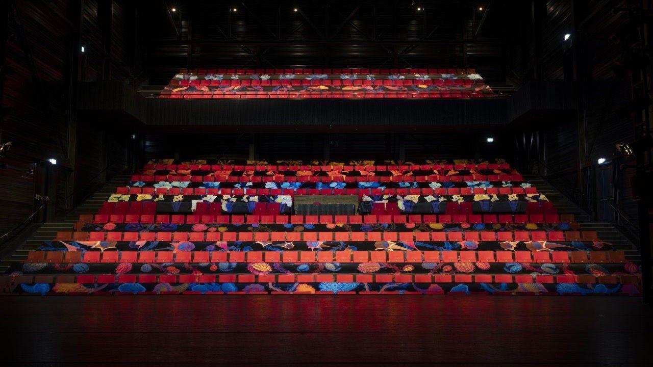 Grote zaal De Blauwe Kei Veghel omgevormd tot kunstproject