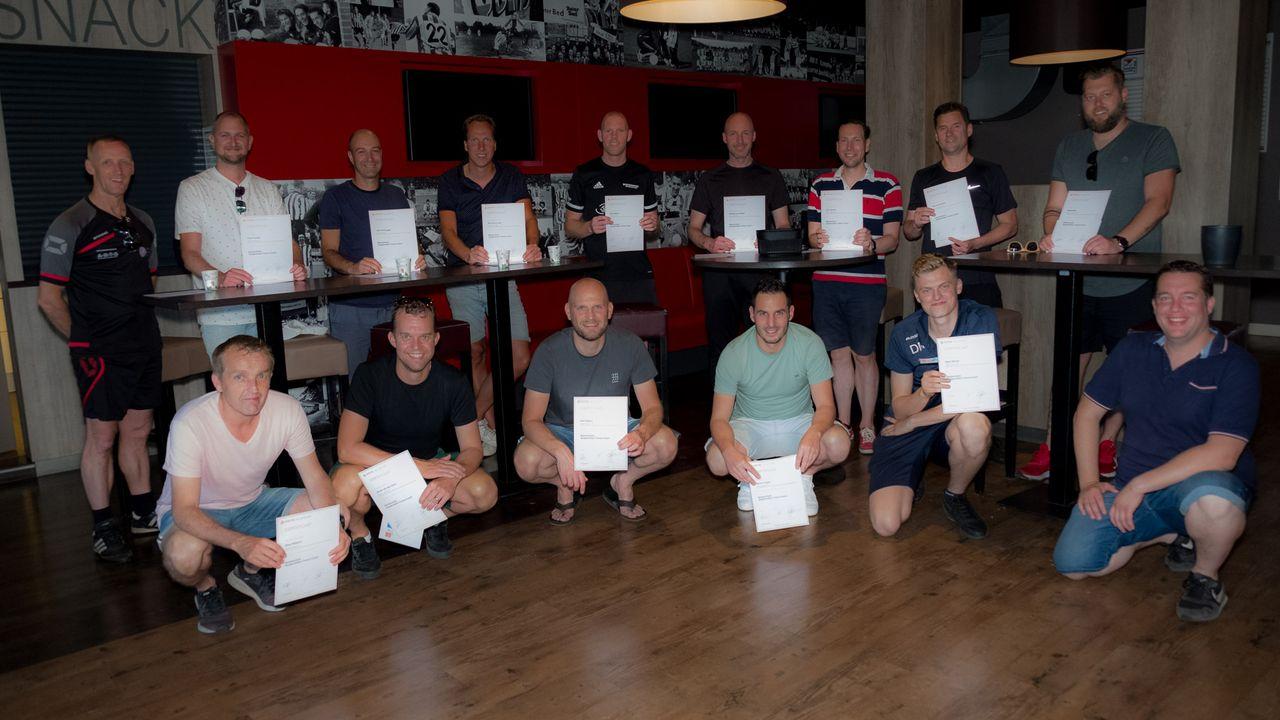 14 jeugdtrainers krijgen eindelijk hun trainersdiploma bij UDI'19