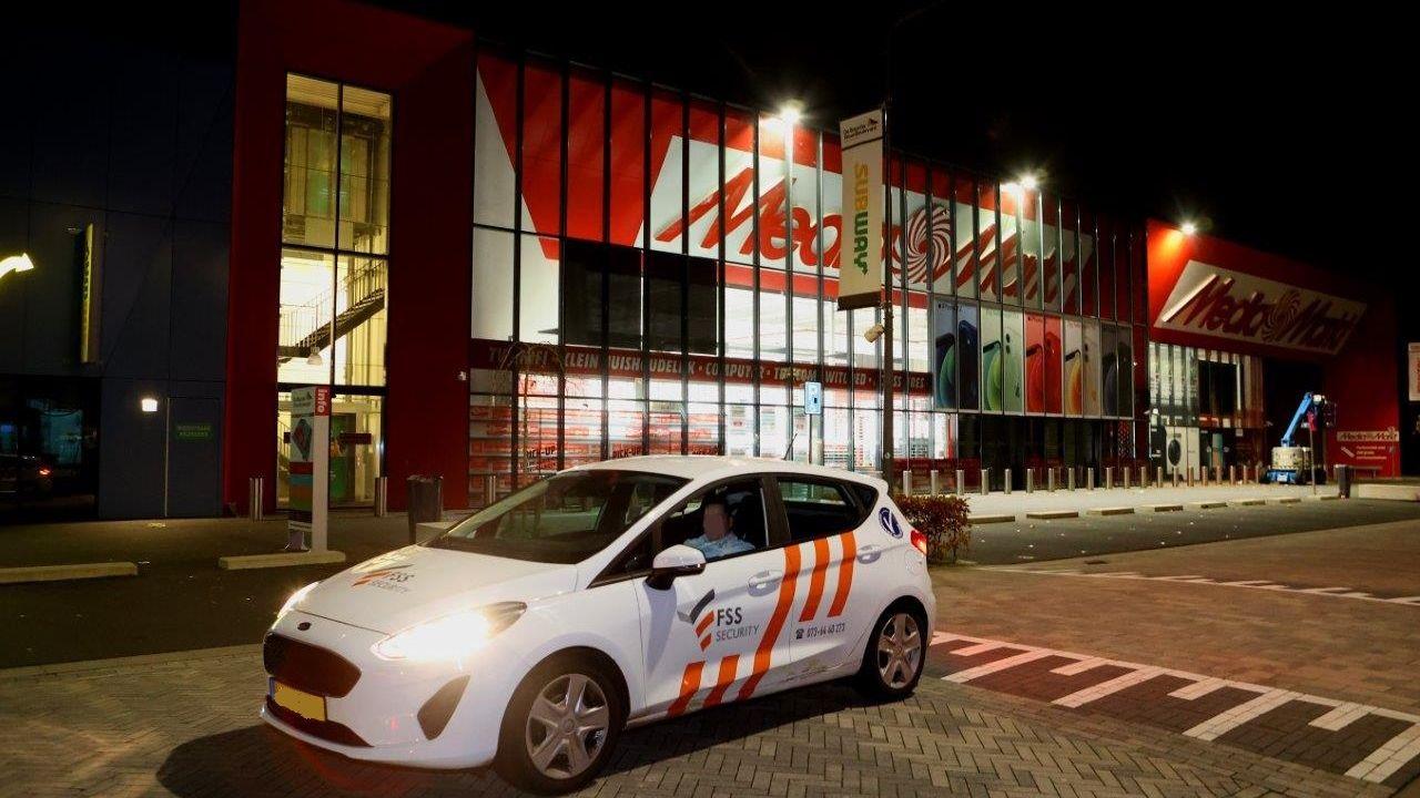 Poging tot inbraak MediaMarkt Den Bosch, twee aanhoudingen