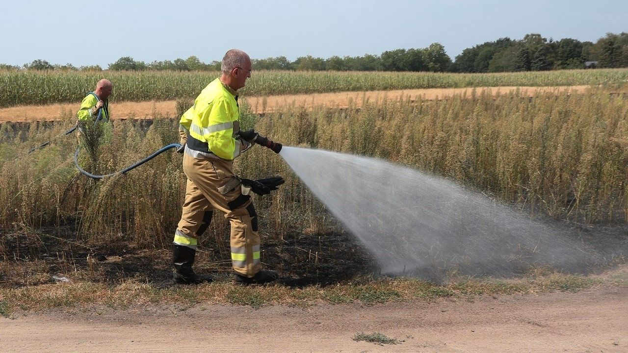 Vuurwerk mogelijk oorzaak van buitenbrand in Oss