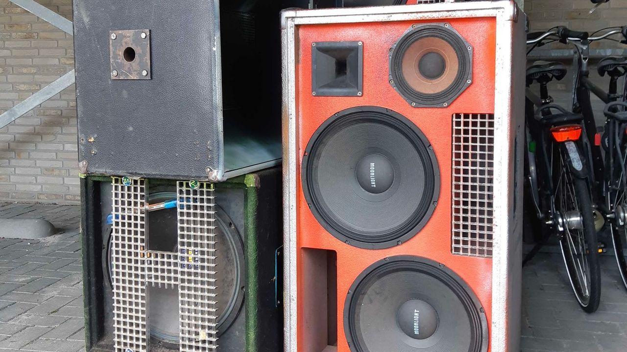 Politie Uden neemt geluidsapparatuur in beslag na herhaaldelijke overlast