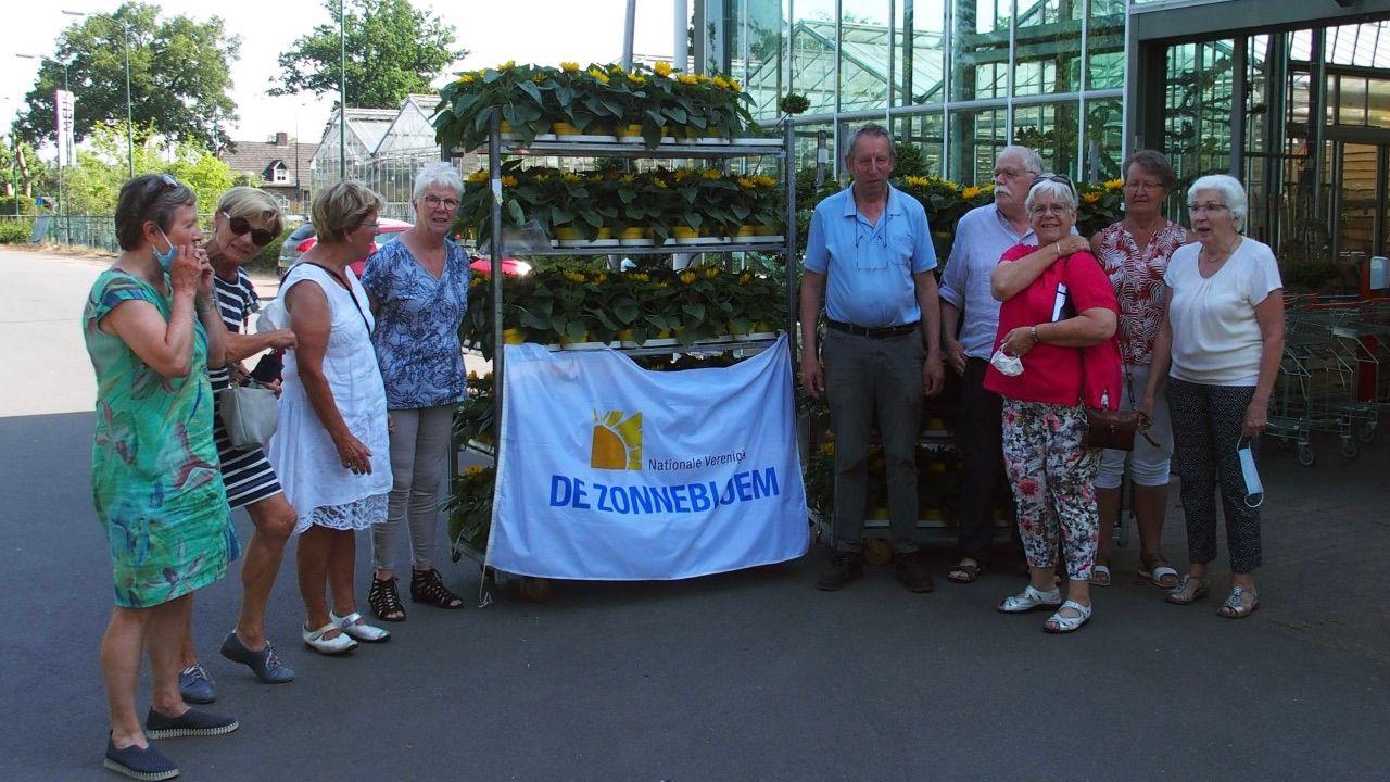 'Zonnig' cadeautje voor Osse gasten van De Zonnebloem