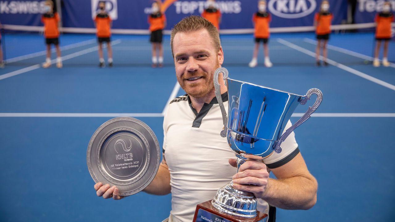 Scheffers twee keer tenniskampioen van Nederland