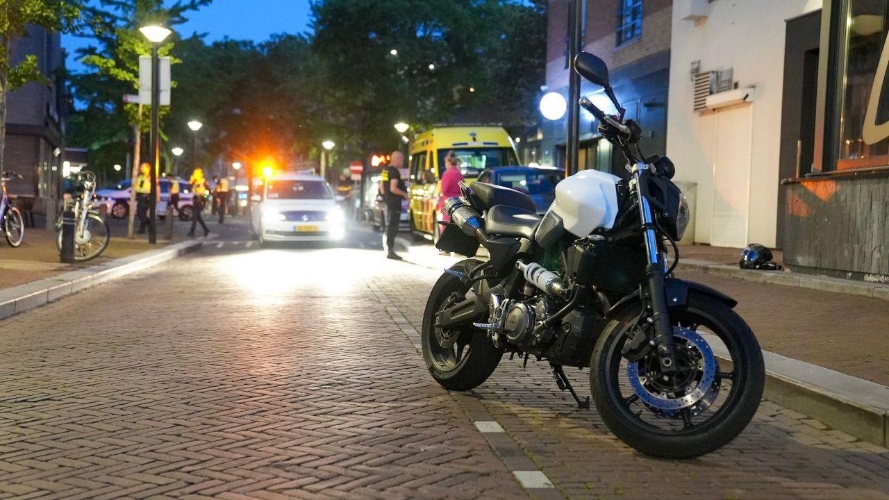 Fietser gewond na aanrijding met motorrijder in centrum Oss