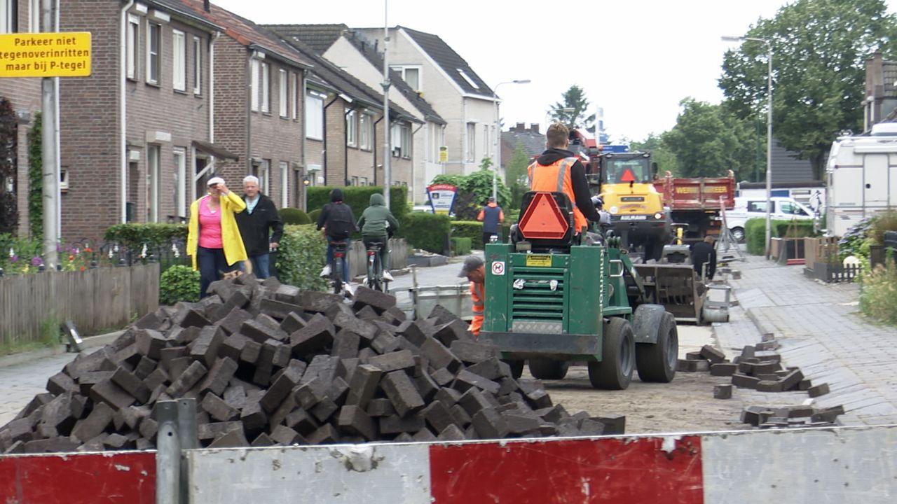 Rammelklinkers in Berghem vervangen, bestuurders moeten omrijden