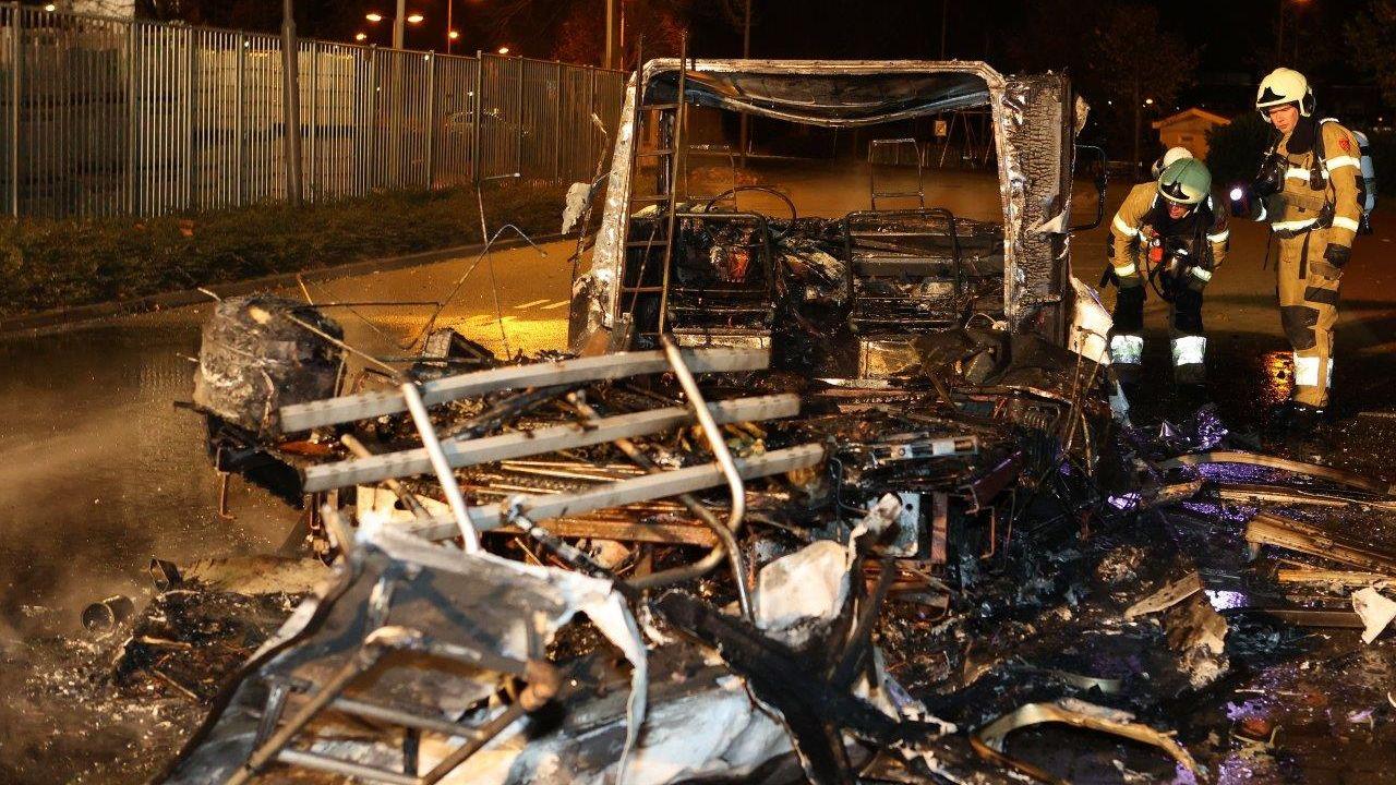 Camper brandt uit in Den Bosch, brandstichting niet uitgesloten