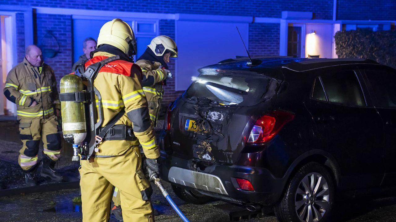 Auto door brand getroffen in Heesch