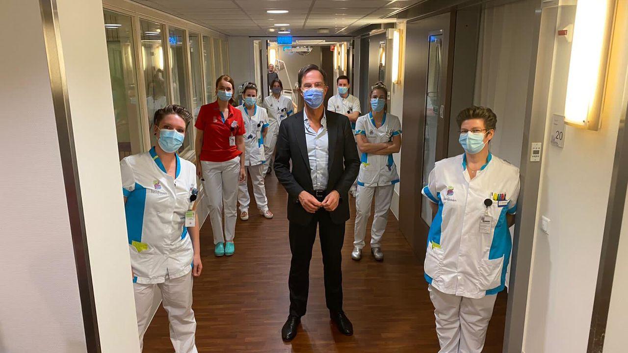 Premier Rutte bezoekt ziekenhuis Bernhoven opnieuw