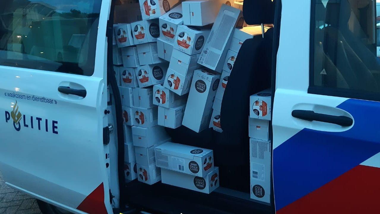 Wakkere agent stuit in zijn vrije tijd op maar liefst 288 gestolen pakken koffie