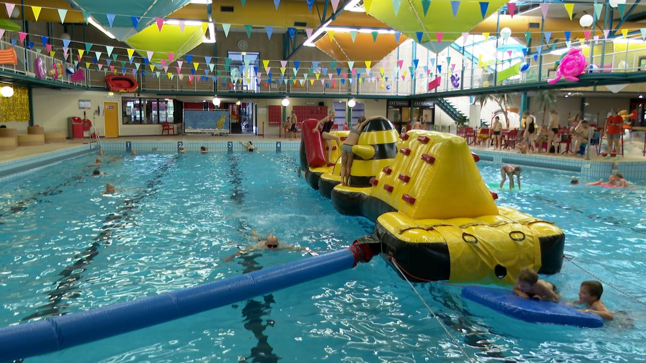 Zwembaden niet langer doorstroomlocatie: Golfbad mag nog maar dertig bezoekers toelaten