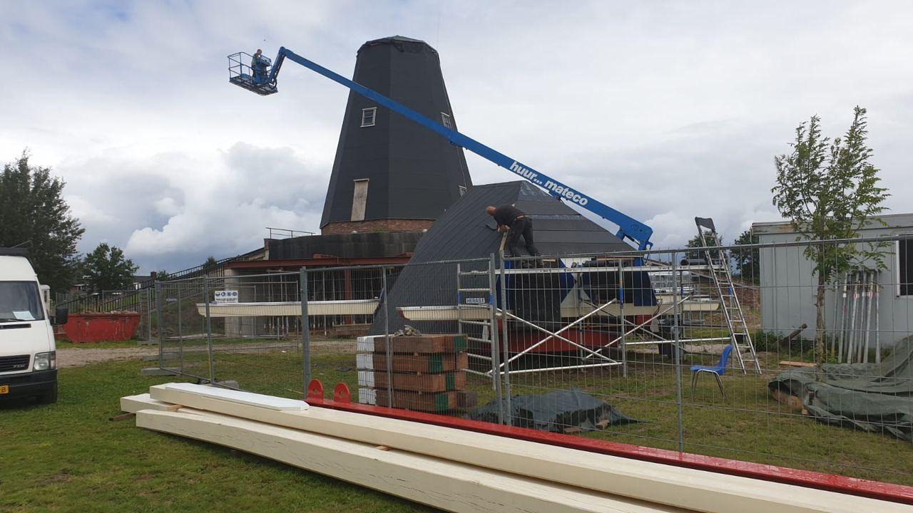 Herbouw Vinkelse molen De Zwaan vordert gestaag: kap gaat er zaterdag op
