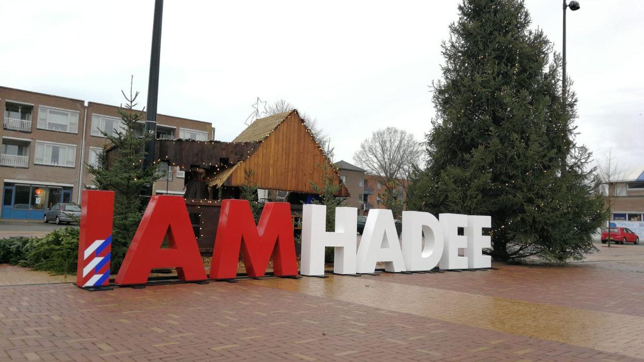 Letters I Am Hadee terug in het openbaar
