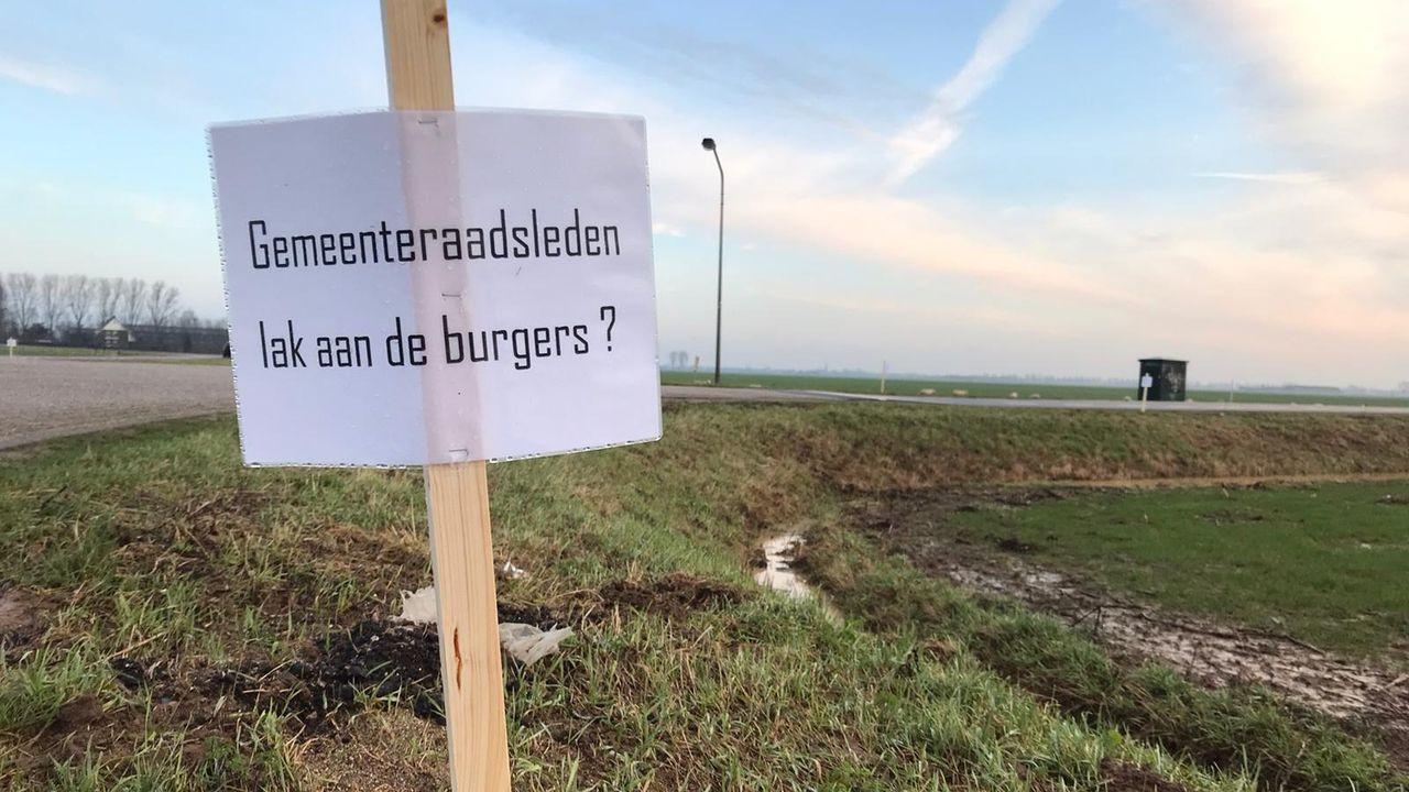 Alternatieve demonstratie: protestbordjes tegen windmolens in hele gemeente Oss