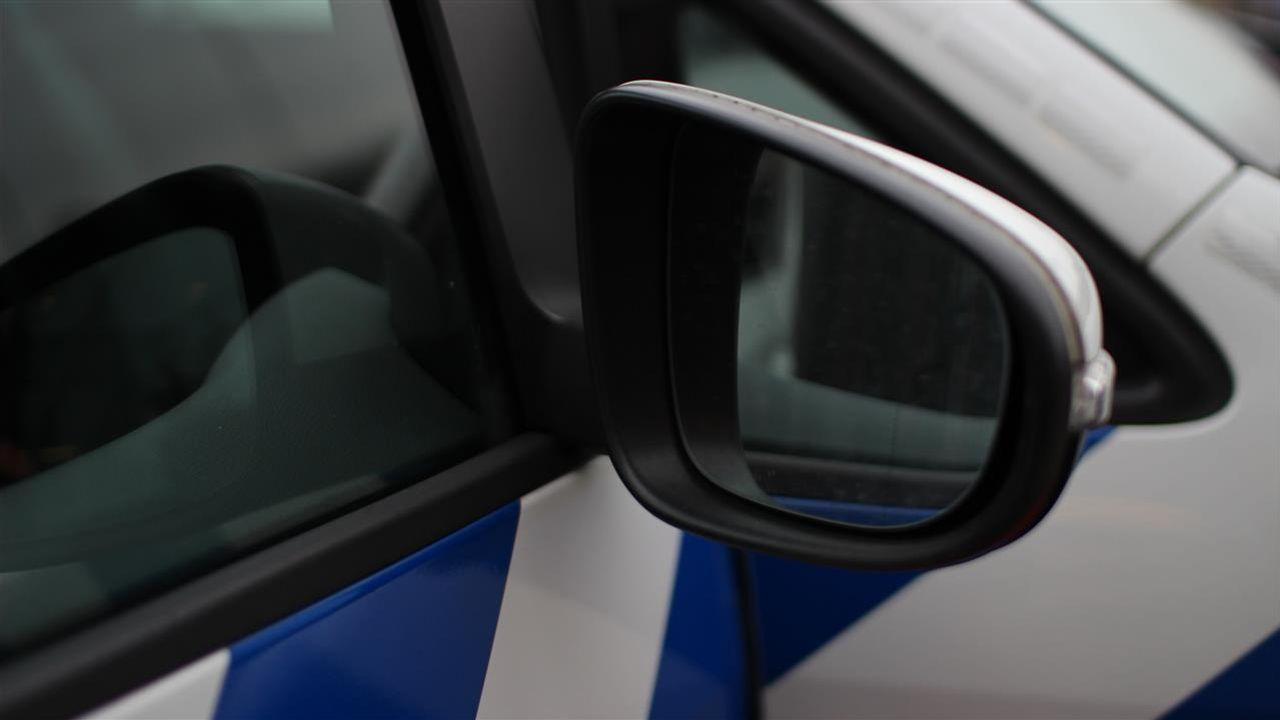 Autospiegels vernield in Hintham, politie zoekt getuigen