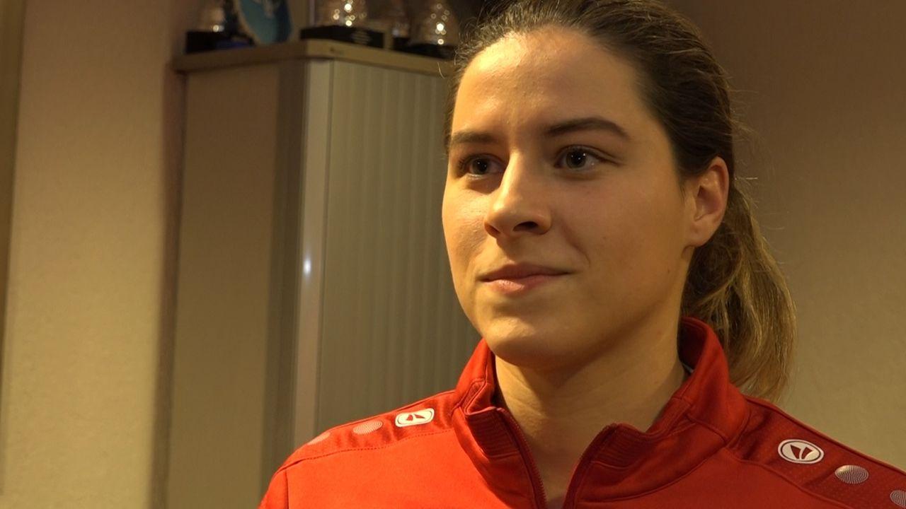 Emely van der Vliet wacht op visum voor studie en voetbal in Amerika