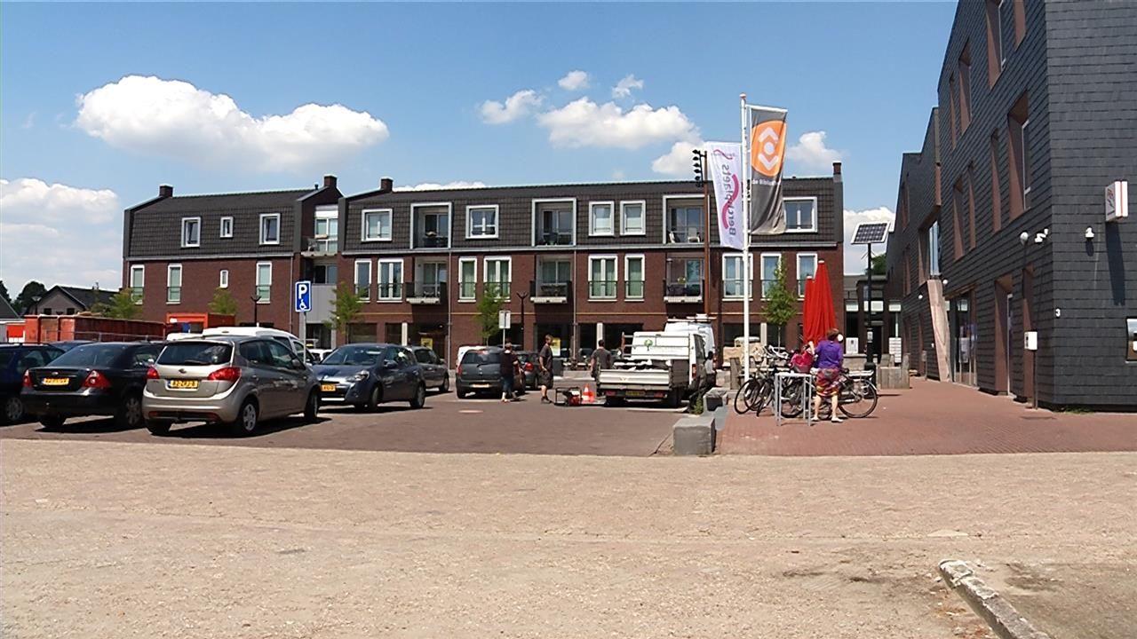 Meester Gielen verdient een écht plein, geen overvolle parkeerplaats