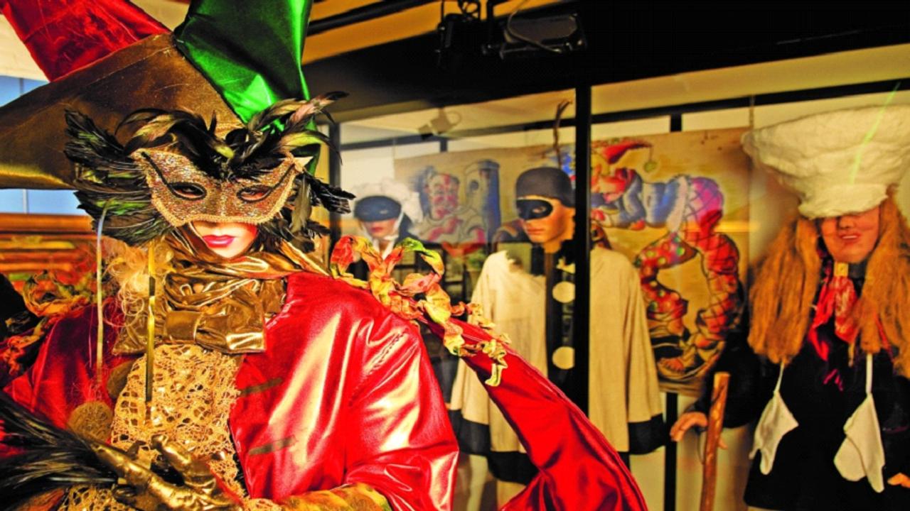 Feest in Oeteldonk; carnavalsmuseum is weer geopend