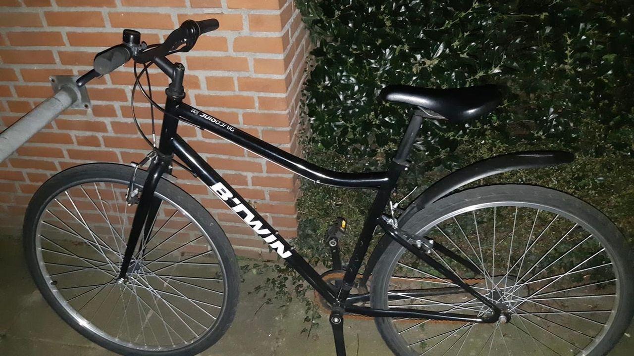 Dief steelt fiets in Oss en laat er ook eentje achter