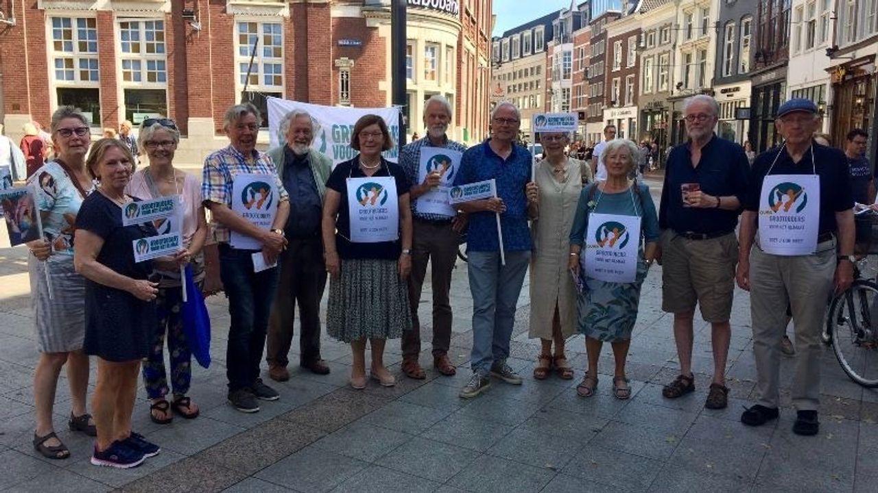 Grootouders voor het Klimaat weer de straat op in Den Bosch